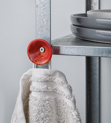 HANG ON – A washer hook // recycle