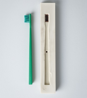 SCHO - The truly recyclable toothbrush // recycle